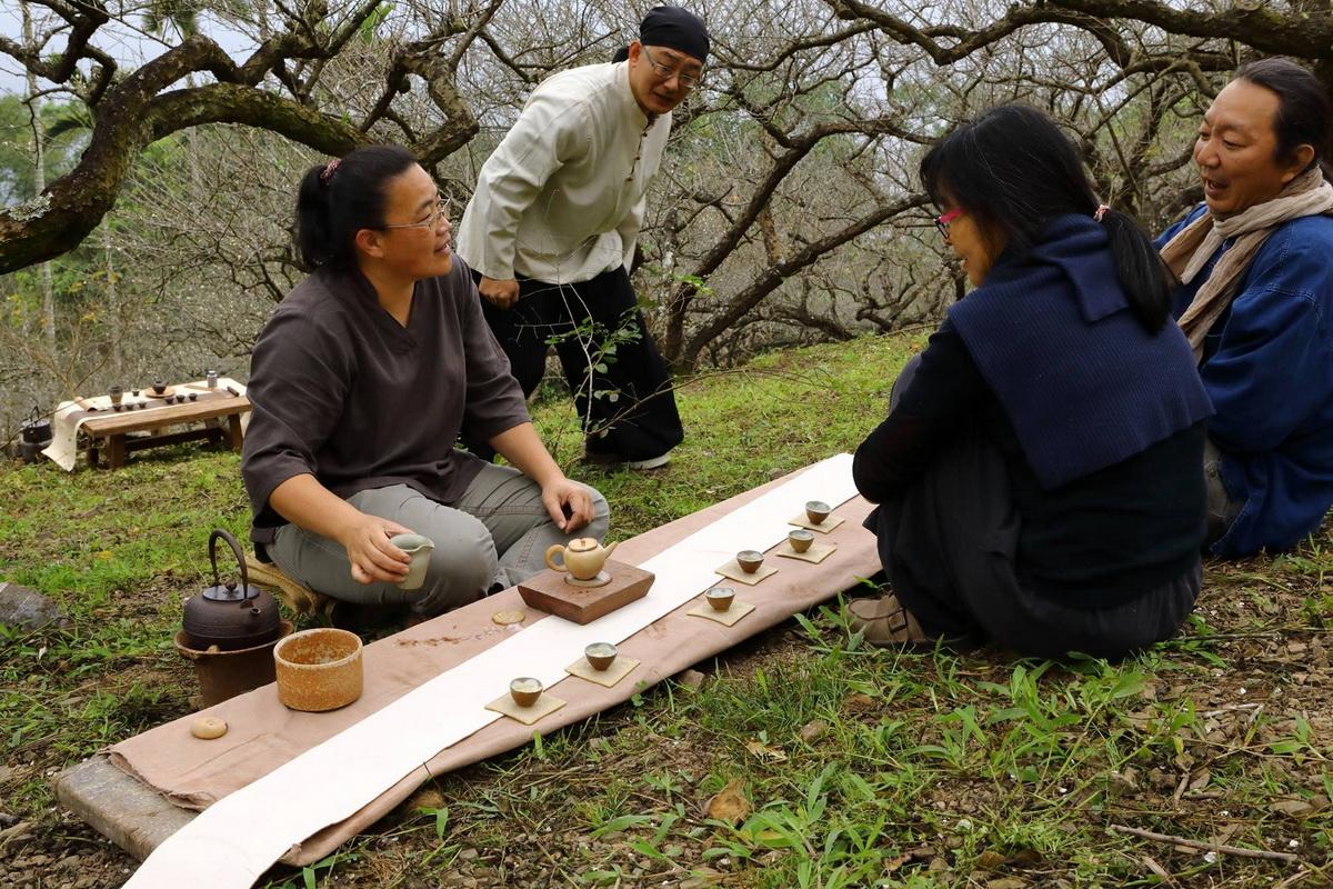 六龜檨仔腳文化共享空間運用梅子盛產季節將書法、陶瓷、植物染、茶道打造獨特文化氛圍,強化了品牌記憶與認同感!!